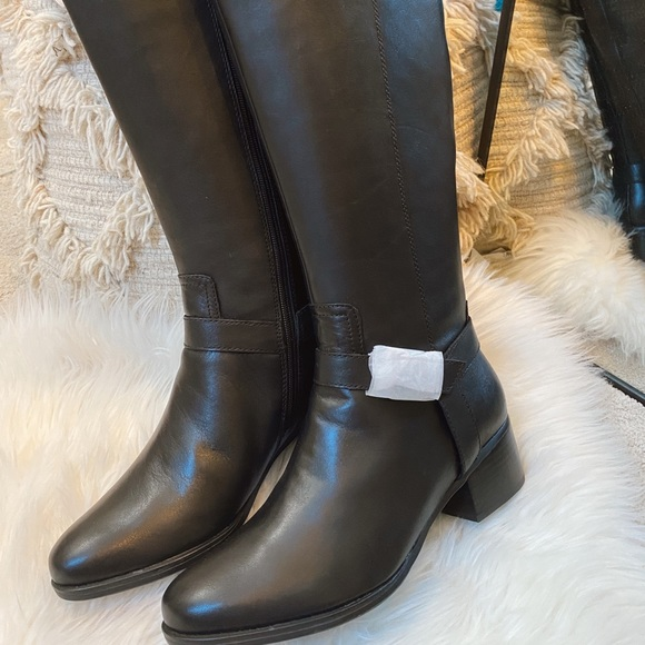 NWT naturalizer ridding boots size 10